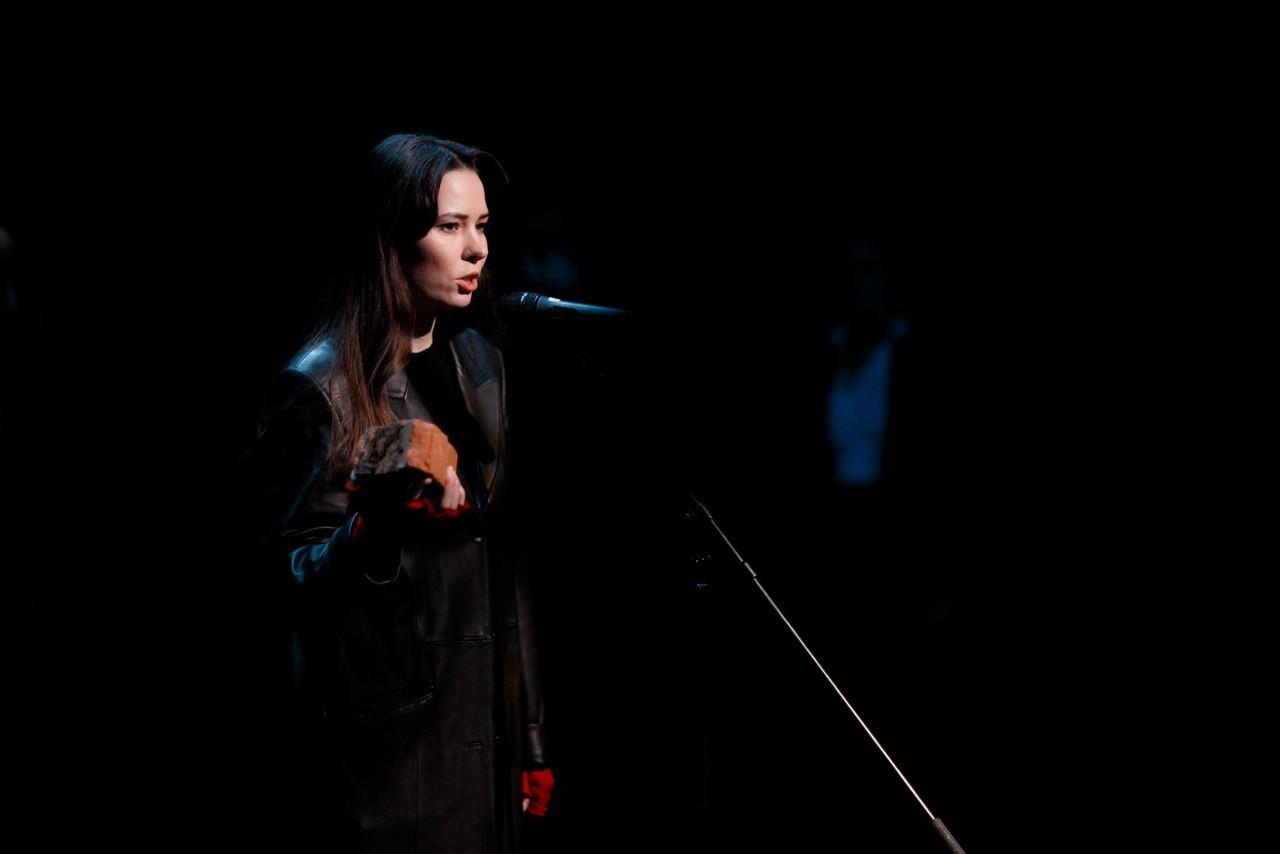 Спектакль «Площадь революции.17» – события на сайте «Московские Сезоны»