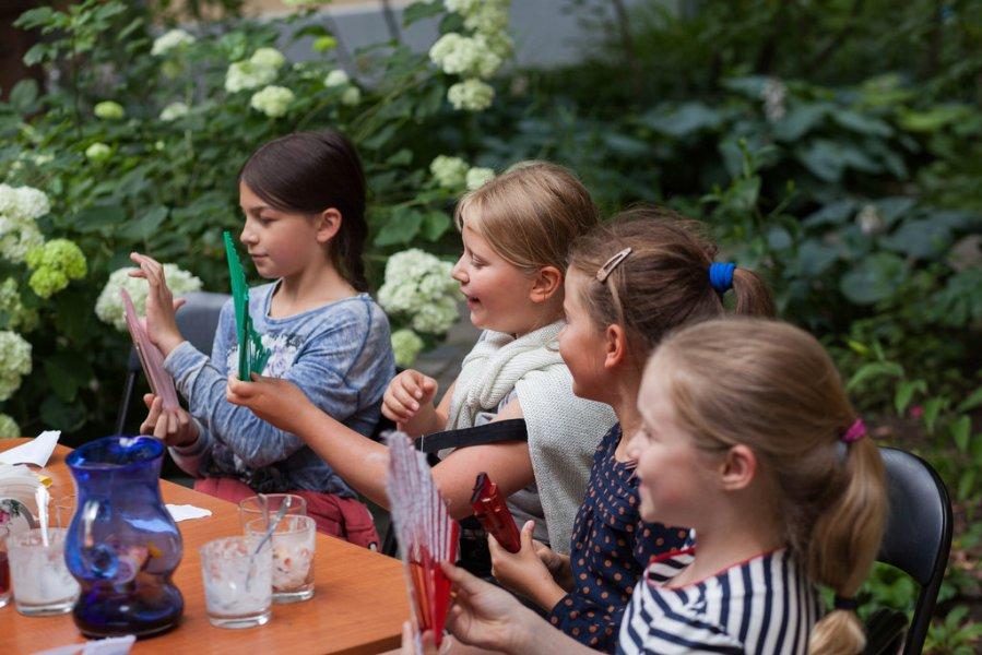 Детская программа «Пикник в саду Дома Герцена» – события на сайте «Московские Сезоны»
