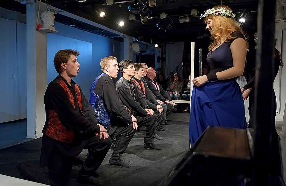 Спектакль «Собранье пестрых глав…» – события на сайте «Московские Сезоны»