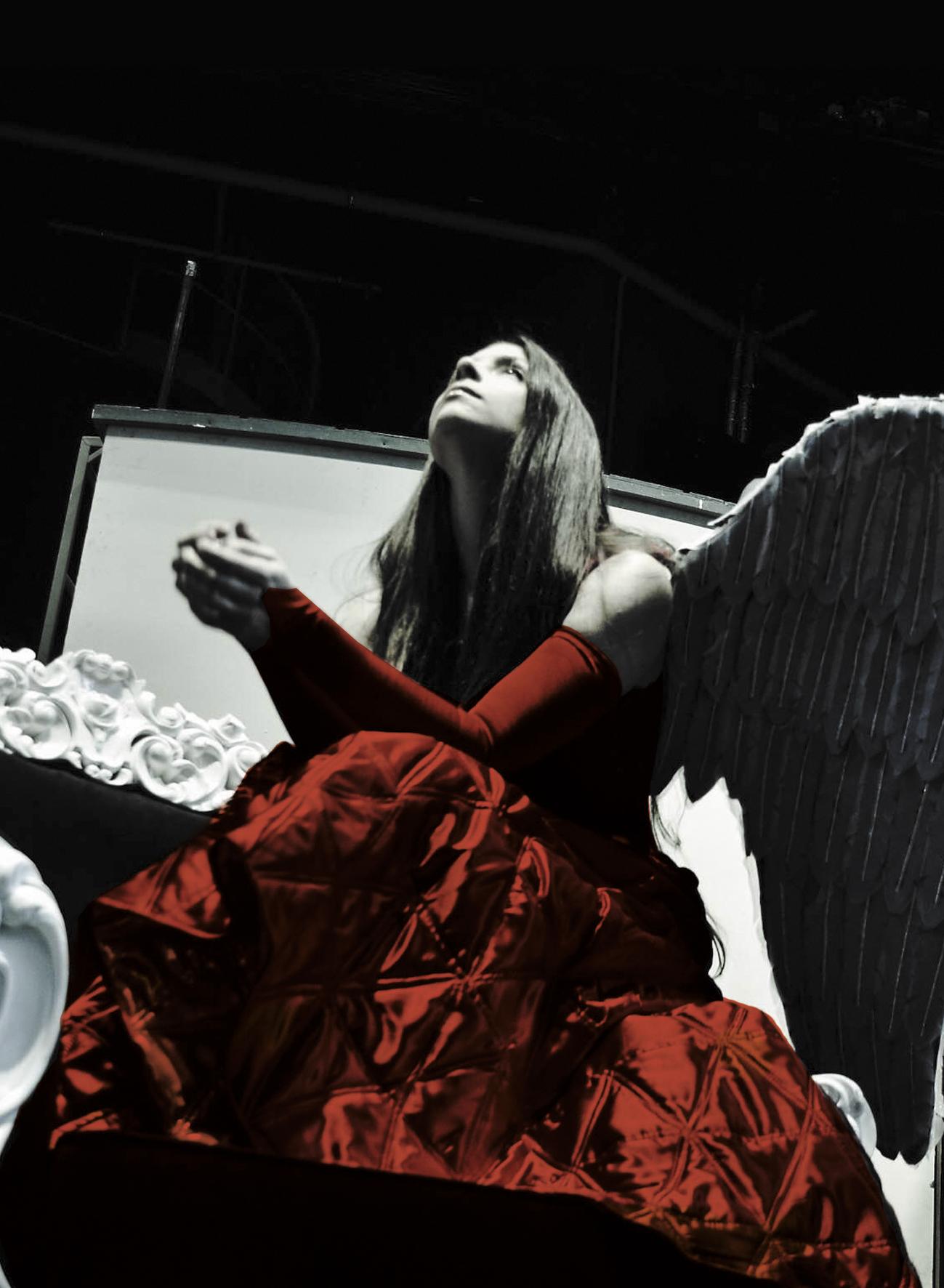 Спектакль «Крылья из пепла» – события на сайте «Московские Сезоны»