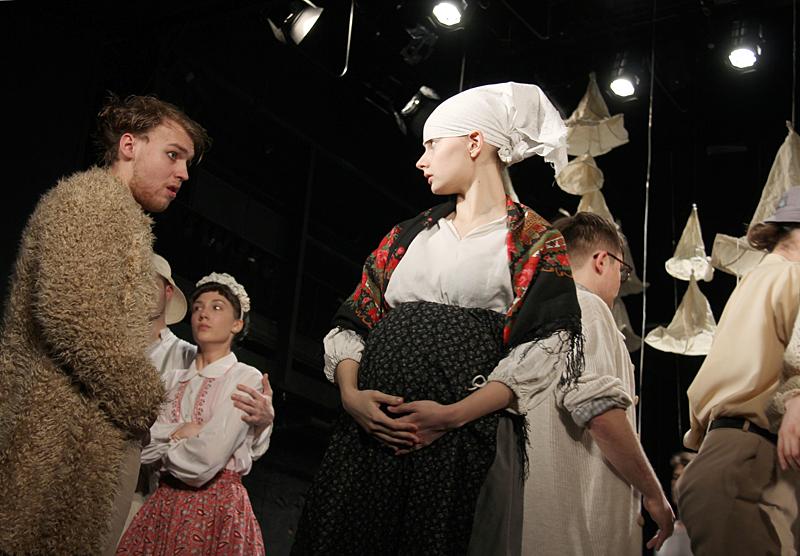 Спектакль «Безотцовщина» – события на сайте «Московские Сезоны»
