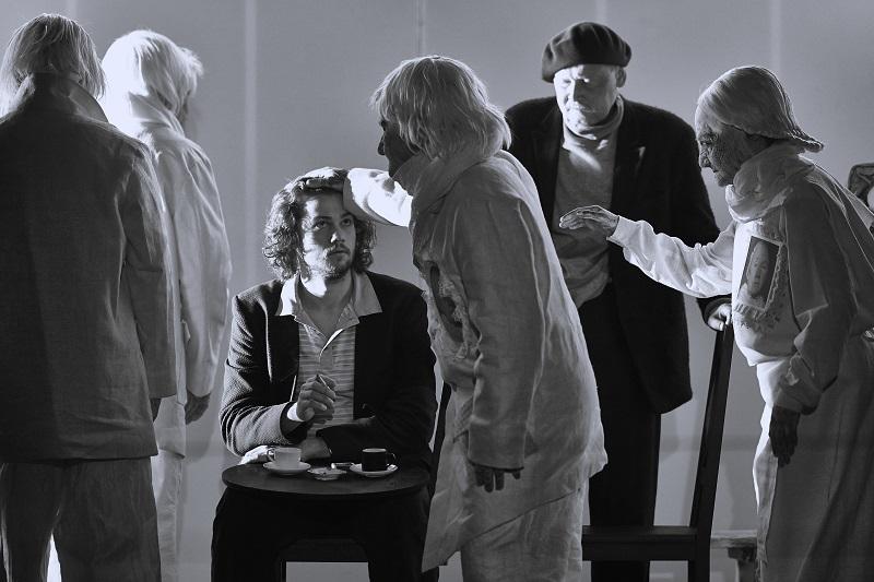 Спектакль «Посторонний» – события на сайте «Московские Сезоны»