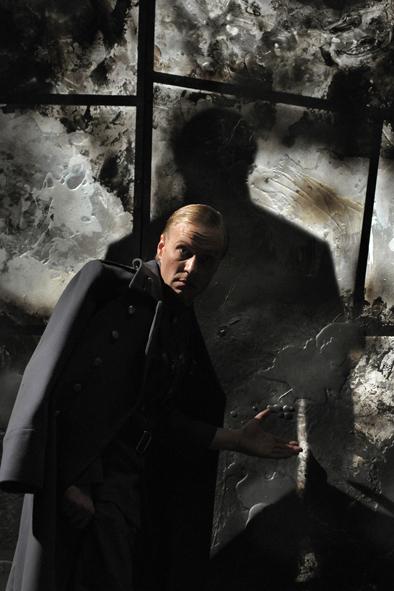 Опера «Бег» – события на сайте «Московские Сезоны»