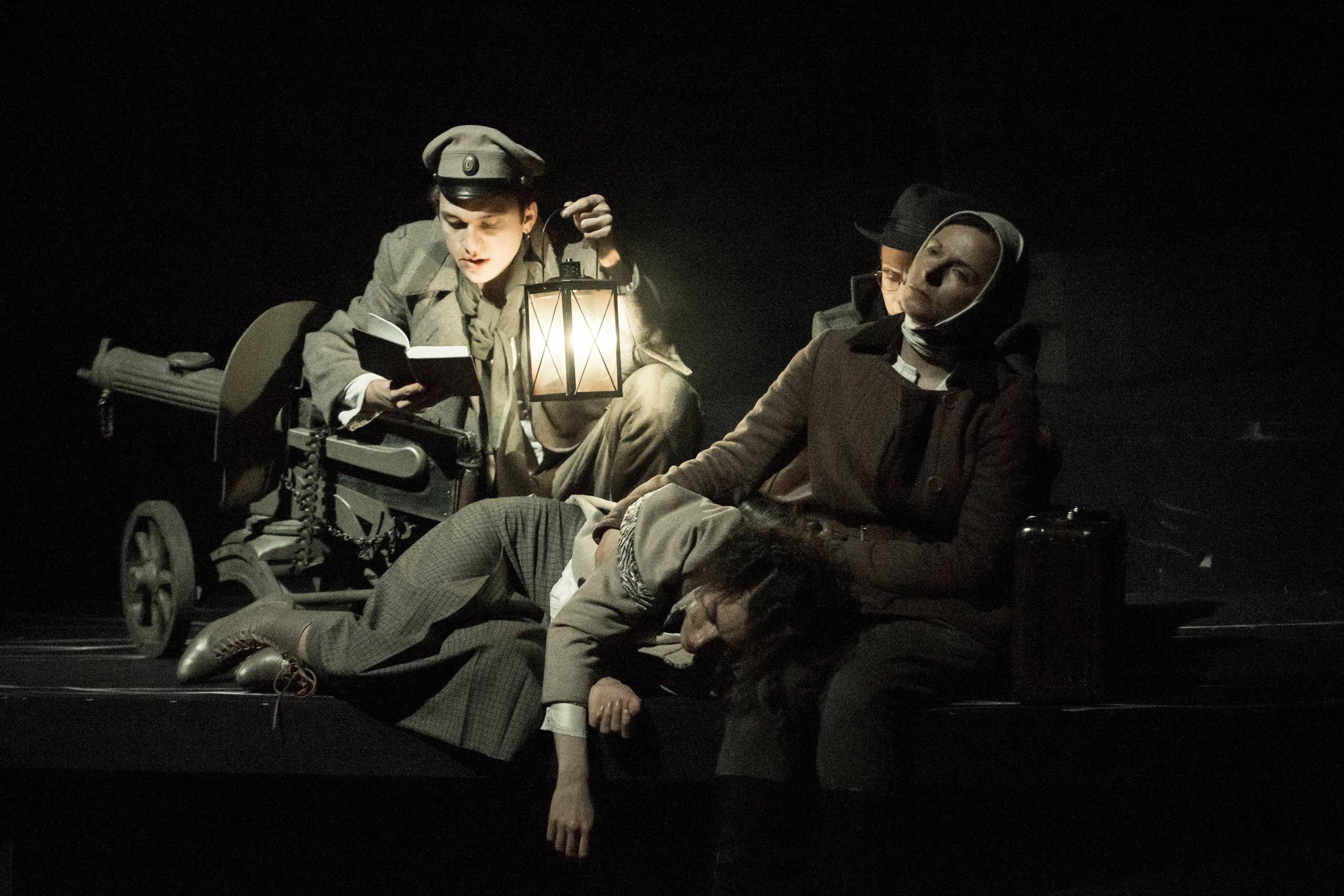 Спектакль «Бег» – события на сайте «Московские Сезоны»