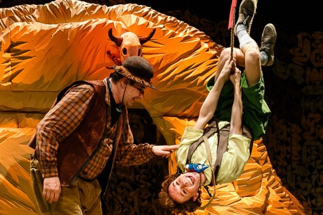Спектакль «Вождь краснокожих» о нелёгкой доле двух авантюристов – события на сайте «Московские Сезоны»