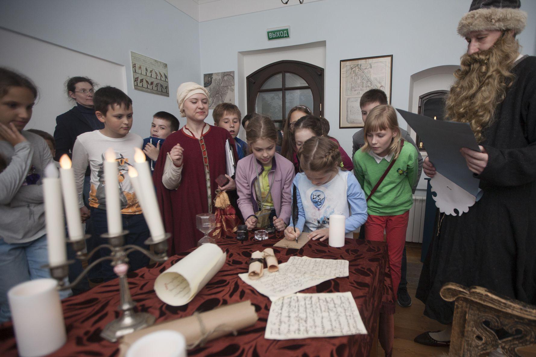 Программа «Новогодний калейдоскоп, или Праздничный переполох в «Стрелецких палатах» – события на сайте «Московские Сезоны»