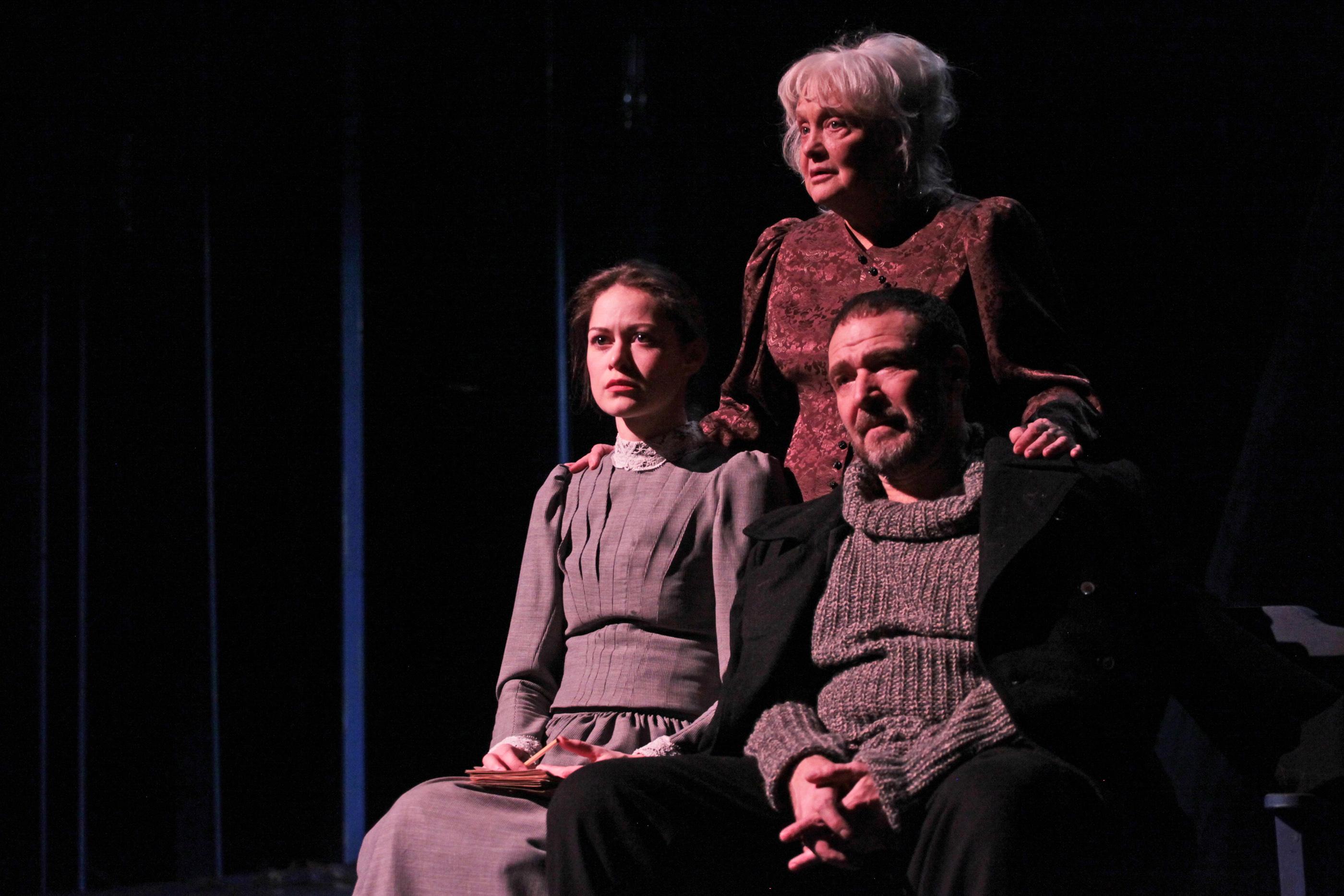 Спектакль «Толстого нет» – события на сайте «Московские Сезоны»