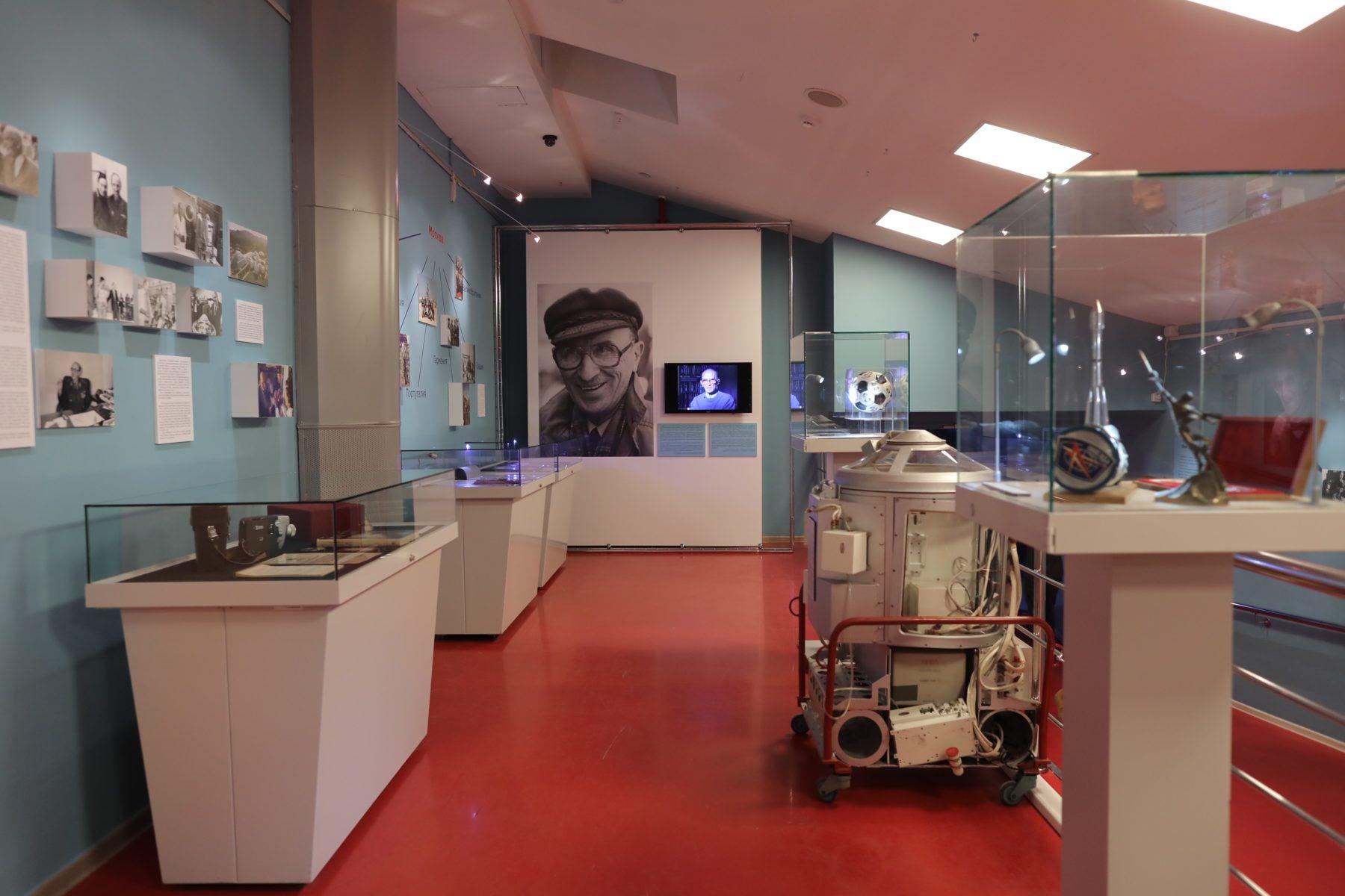 Выставка «Олег Газенко. Заметки космического врача» – события на сайте «Московские Сезоны»