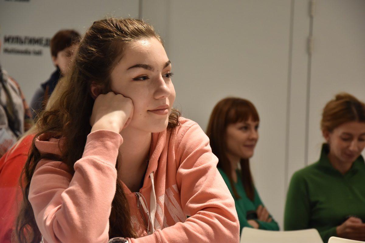 Поэтический спектакль «Вечер мерцаний» – события на сайте «Московские Сезоны»