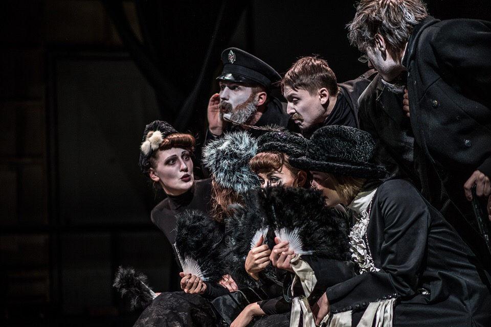 Спектакль мастерской Тополянского и Гинкаса «Мертвые души» – события на сайте «Московские Сезоны»