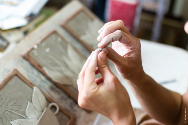 Мастер-класс по лепке художественного панно из глины. Пластовая техника – события на сайте «Московские Сезоны»