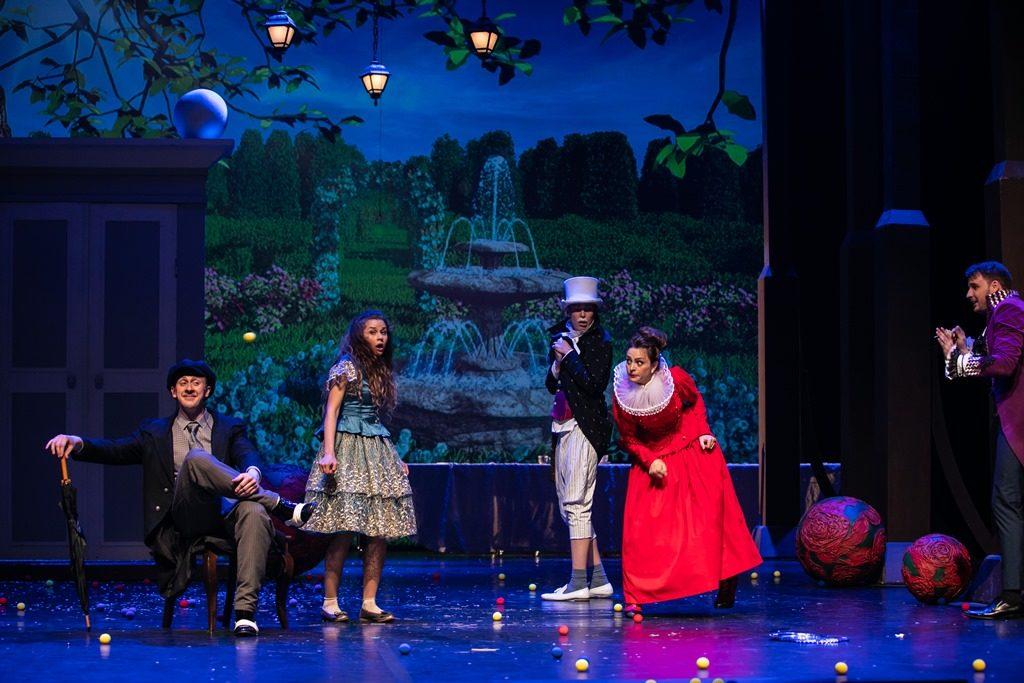 Спектакль «Алиса в Стране чудес» Льюиса Кэрролла – события на сайте «Московские Сезоны»