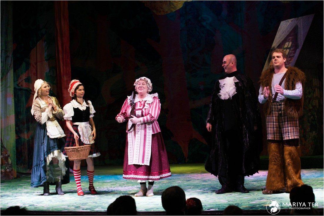 Спектакль «Необычайные приключения Красной Шапочки» в театре под руководством Армена Джигарханяна – события на сайте «Московские Сезоны»