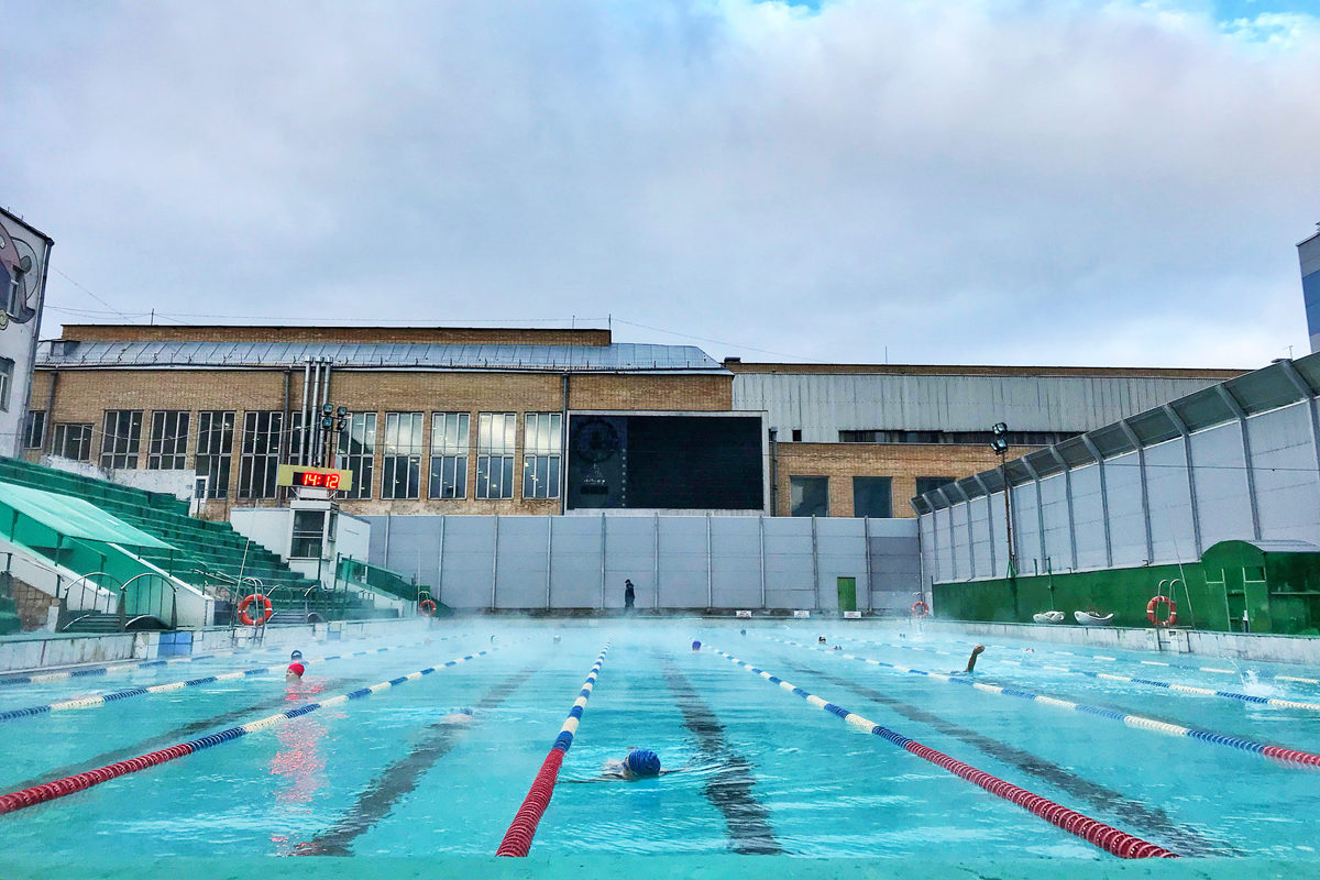 Фитнес клубы с открытым бассейном в москве ночной клуб 90 х спб