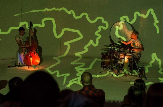 Спектакль «Блуждающие огоньки» на фестивале «Гаврош» – события на сайте «Московские Сезоны»