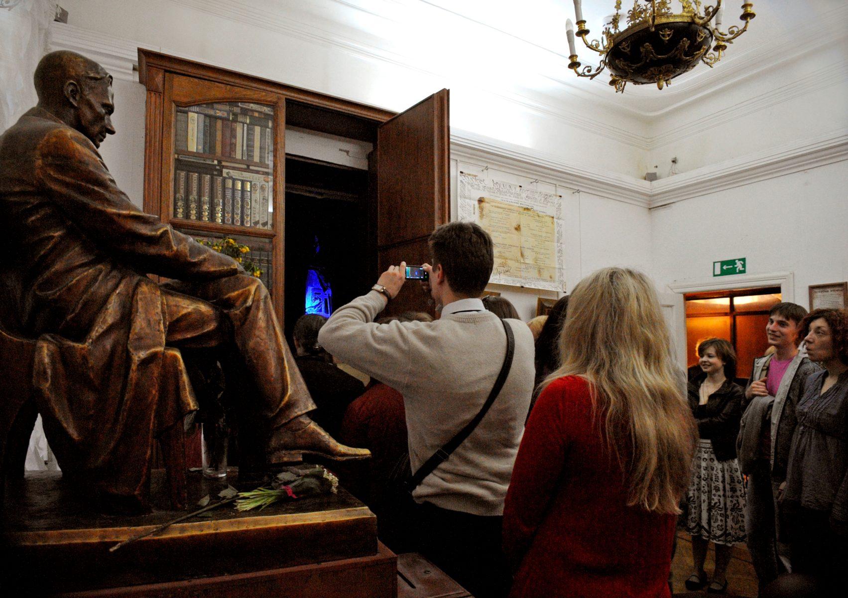 Ночь кино в Булгаковском доме – события на сайте «Московские Сезоны»