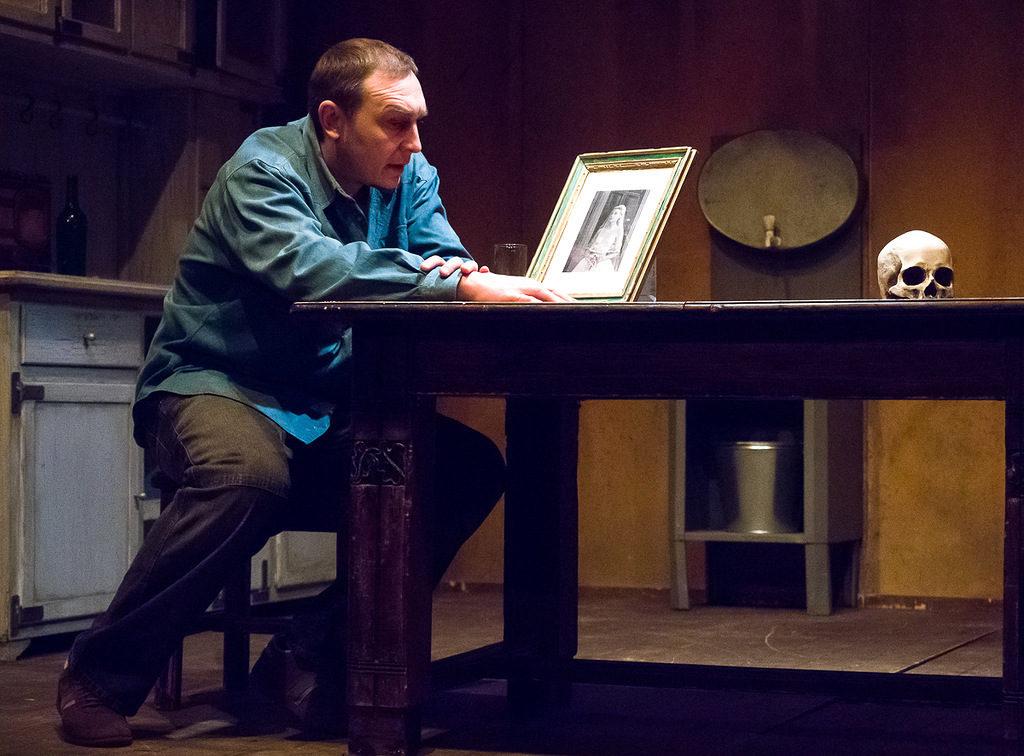 Спектакль «Череп из Коннемары» в Театре Армена Джигарханяна – события на сайте «Московские Сезоны»