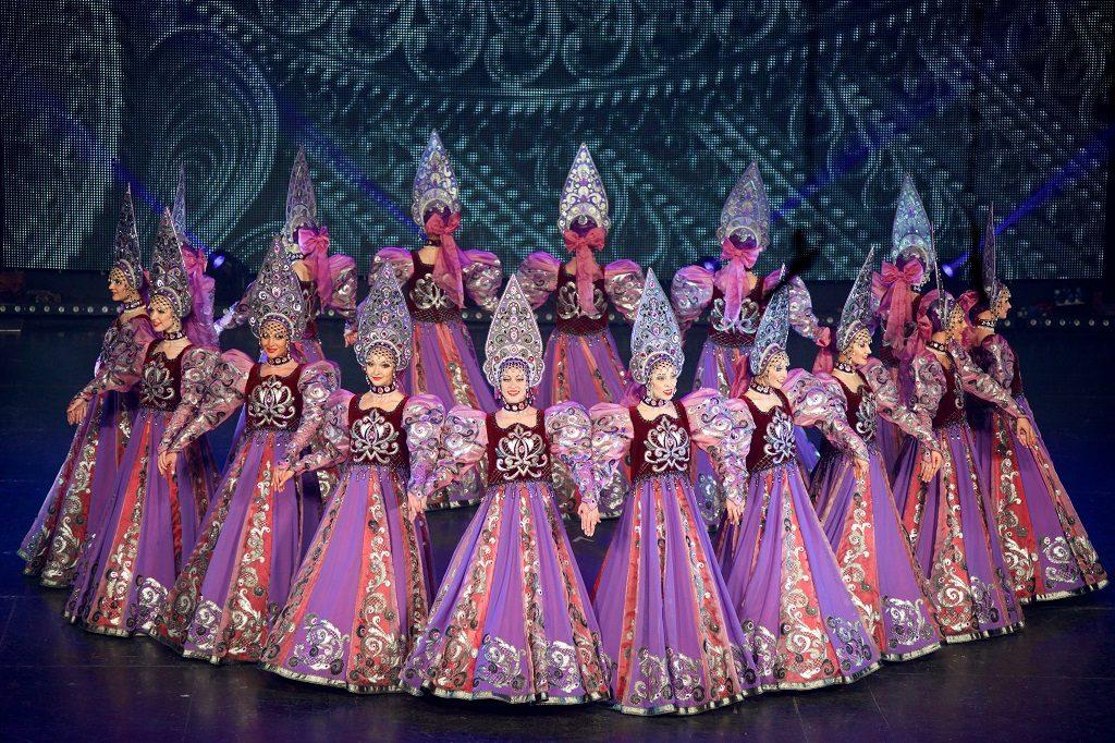 Концерт театров танца «Казаки России» и «Гжель» в Доме музыки – события на сайте «Московские Сезоны»