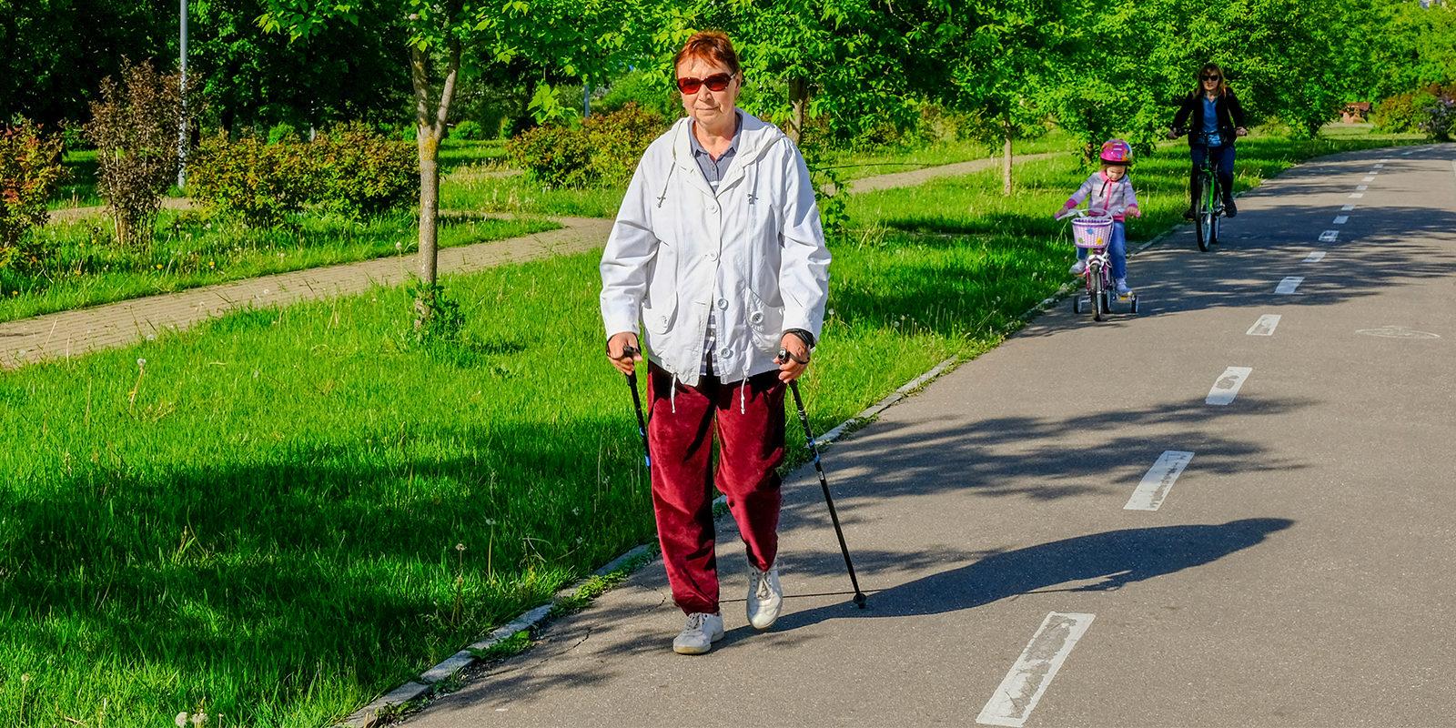 Занятия по скандинавской ходьбе в Измайловском парке – события на сайте «Московские Сезоны»
