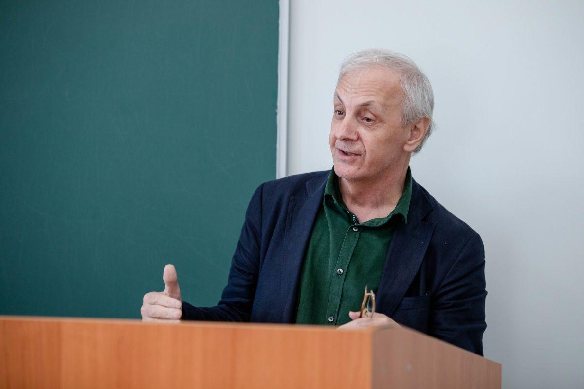 Лекция «Я только раз видала рукопашный...»: поэзия Юлии Друниной» в Литературном институте – события на сайте «Московские Сезоны»