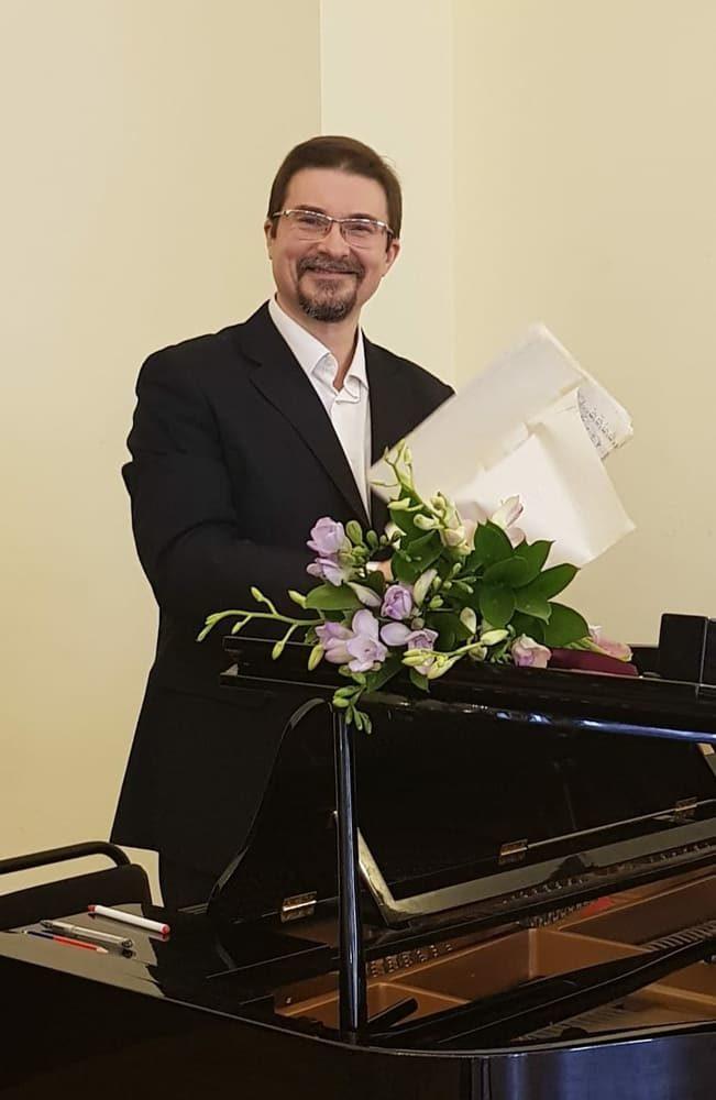Концерт «Соловьи и розы» – события на сайте «Московские Сезоны»