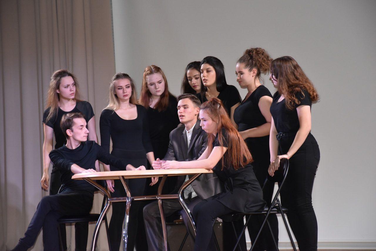 Спектакль «Кандинский» – события на сайте «Московские Сезоны»