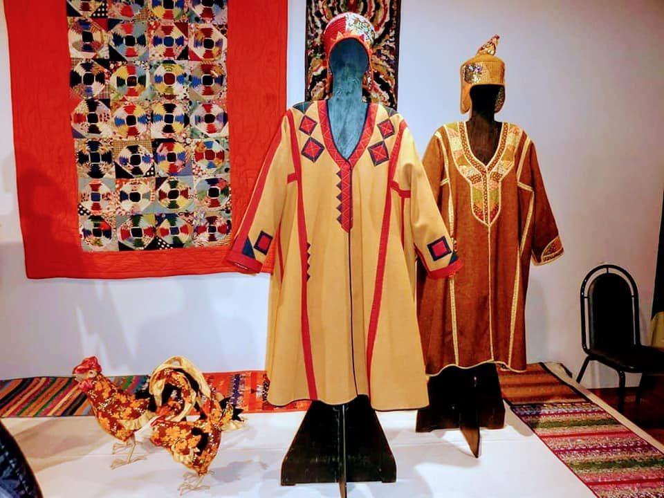 Выставка «Плат, платок, платье» – события на сайте «Московские Сезоны»