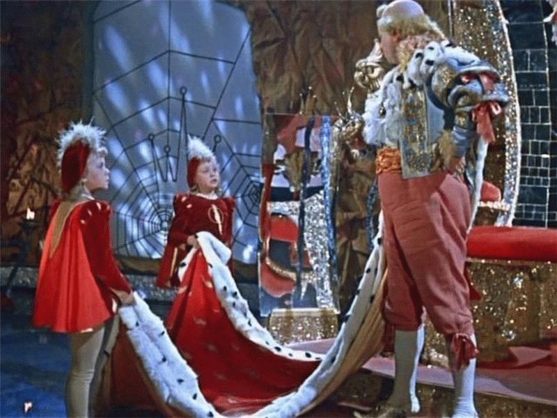 Показ и обсуждение фильма «Королевство кривых зеркал» – события на сайте «Московские Сезоны»