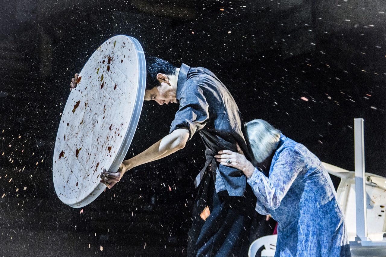 Трансляция спектакля «Гоголь-центра» «Страх» – события на сайте «Московские Сезоны»