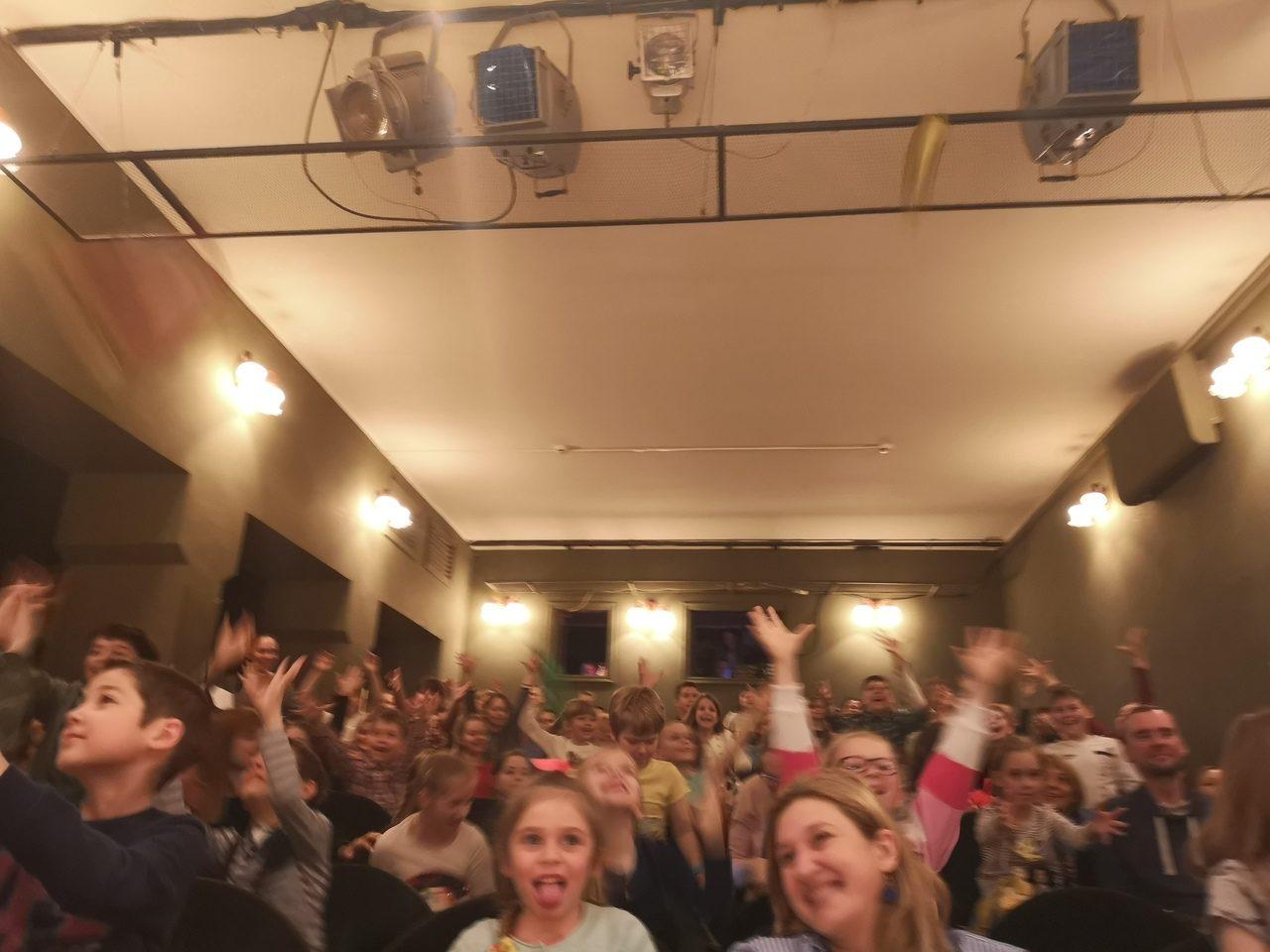 Онлайн-проект «Байки из шкафа» на YouTube-канале Драматического театра «Вернадского, 13» – события на сайте «Московские Сезоны»