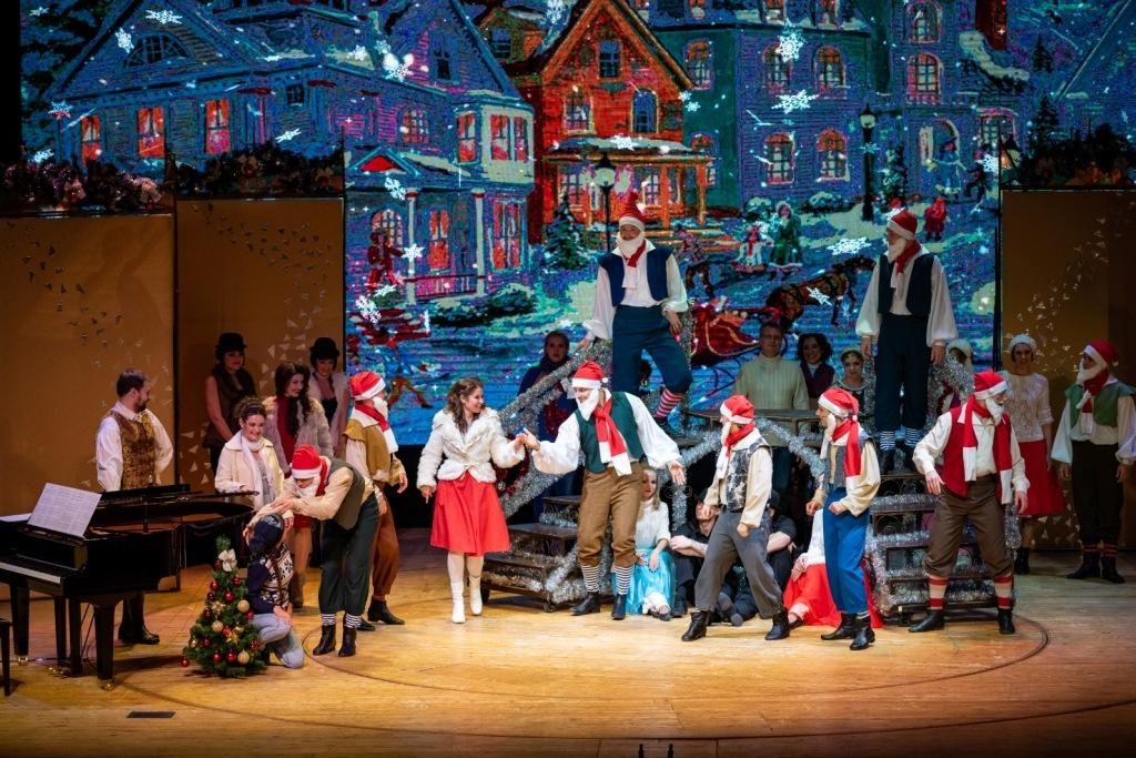 Показ записи новогоднего гала-концерта на YouTube-канале Музыкального театра Чихачева – события на сайте «Московские Сезоны»