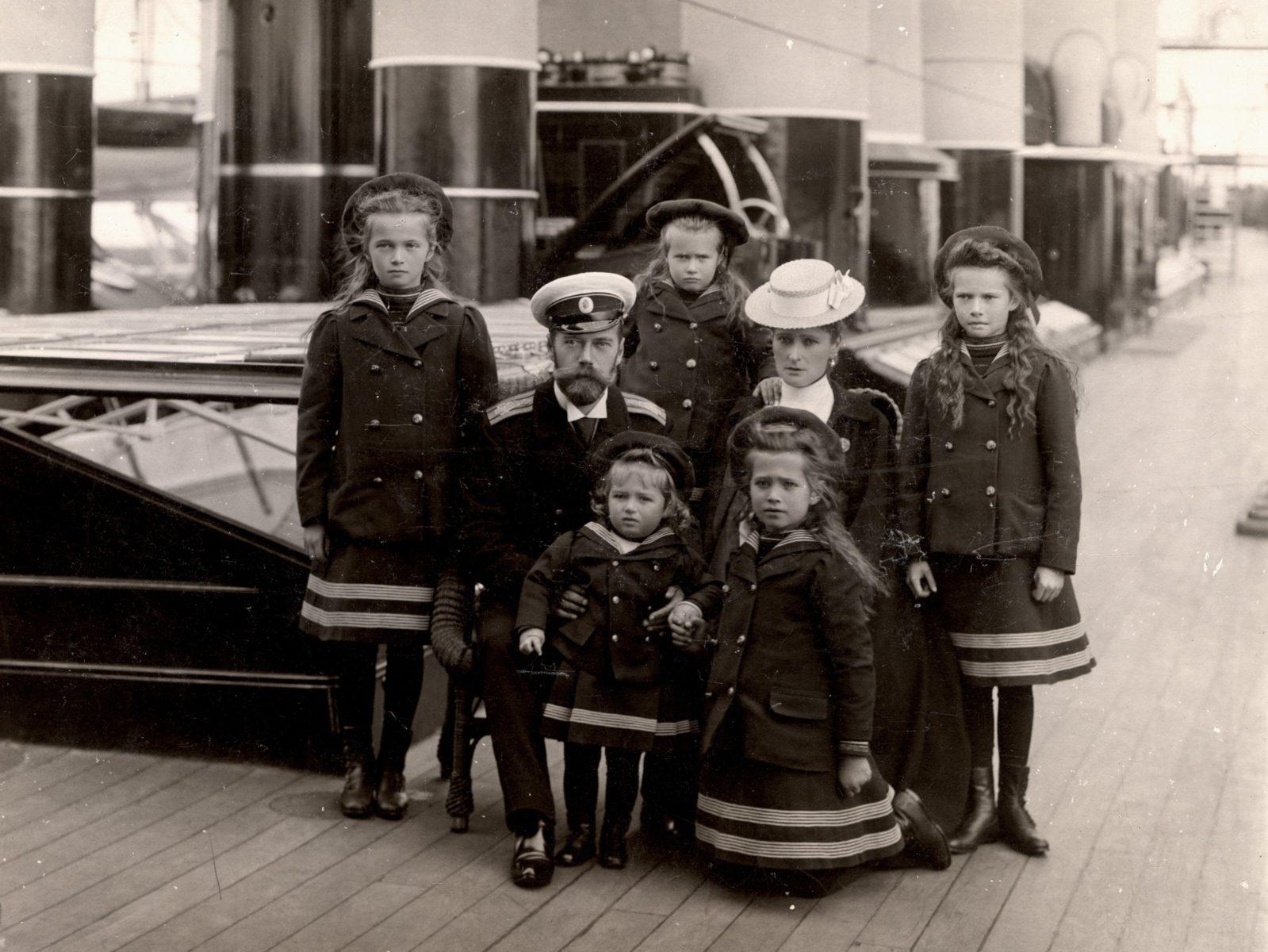 Выставка «Частная жизнь семьи императора Николая II. Фотографии из личных альбомов» в Музее-заповеднике «Измайлово» – события на сайте «Московские Сезоны»