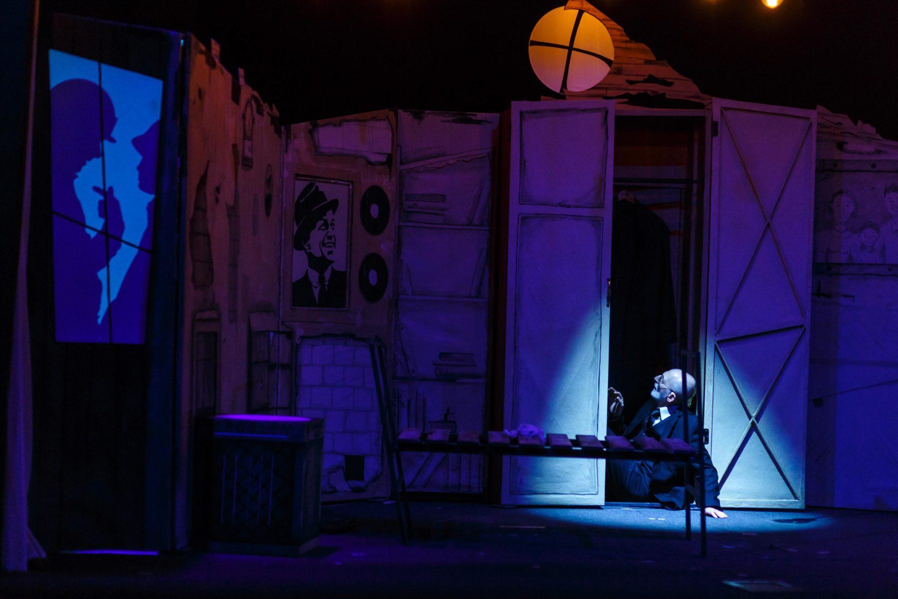 Спектакль «Тео возвращается домой» в Московском Губернском театре  – события на сайте «Московские Сезоны»